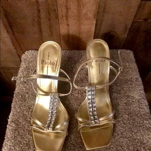 Lines Paolo Size 8.5 Gold Heels With Clear Stones